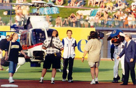 Clay Aiken arrives at DBAP