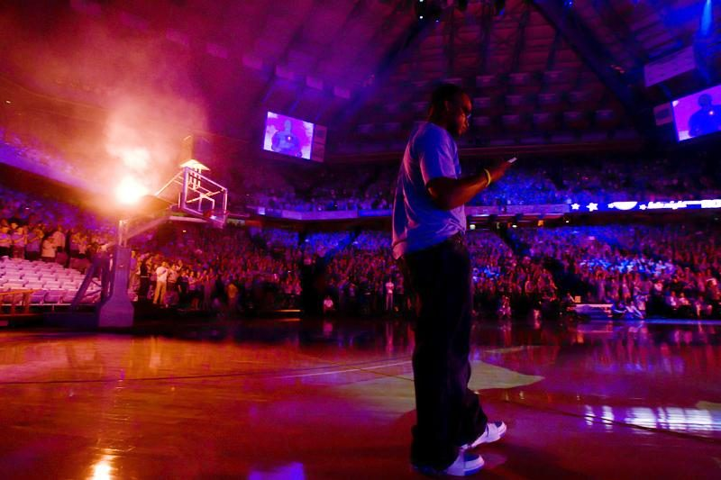 Stuart Scott introduces Tar Heels